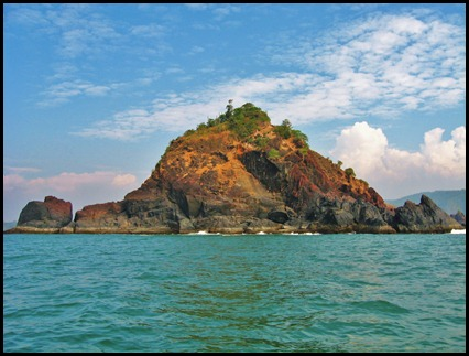 Stunning island on the Arabian Sea