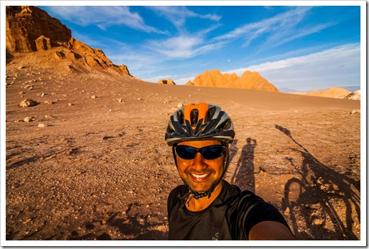 Praveen biking in Valle de la luna, Chile