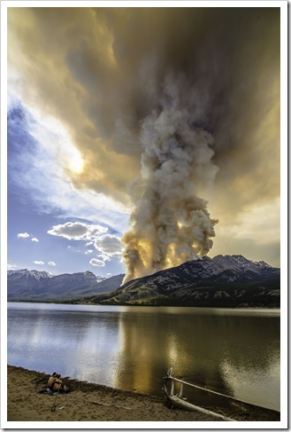 A wild fire in Jasper National Park goes out of control